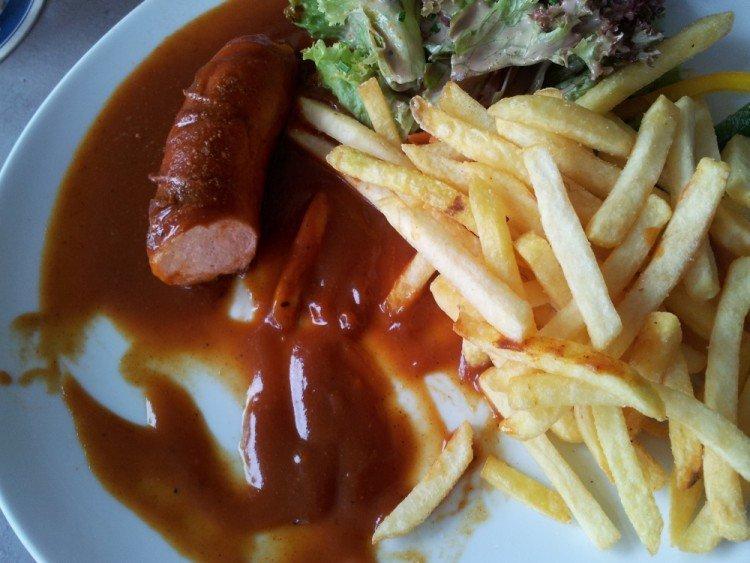 Currywurst im Innsteg